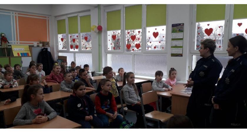 szkoły podstawowe, Uwaga dzieci cyberprzemoc sieci! - zdjęcie, fotografia