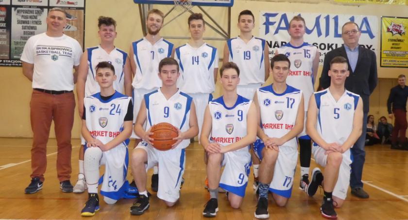 Koszykówka, Kasper podwójnej koronie - zdjęcie, fotografia