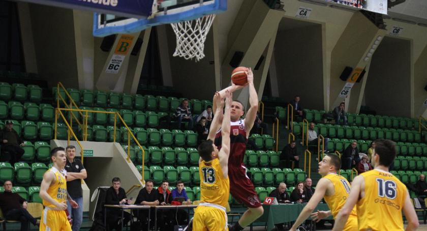 Koszykówka, Domino wygrywa Arką Gdynia - zdjęcie, fotografia