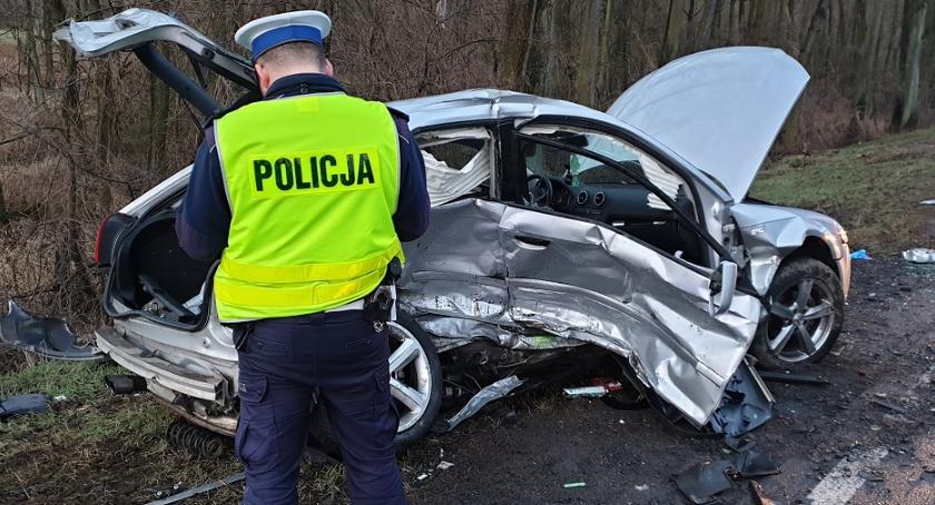 Wypadki drogowe , osoby trafiły szpitala - zdjęcie, fotografia