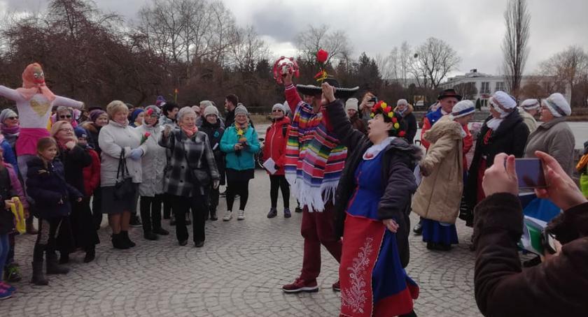 Festyny, Pokolenia przywitają wiosnę - zdjęcie, fotografia