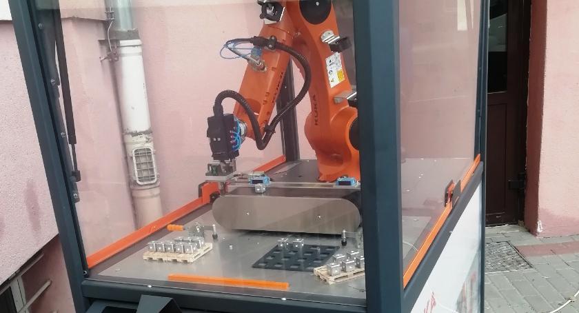 ponadgimnazjalne, Warsztaty robotem - zdjęcie, fotografia