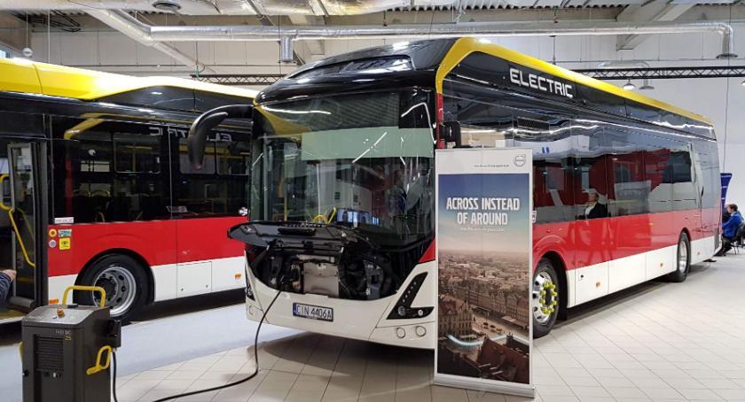 Gospodarka, Inowrocławskie autobusy kolejnych targach - zdjęcie, fotografia
