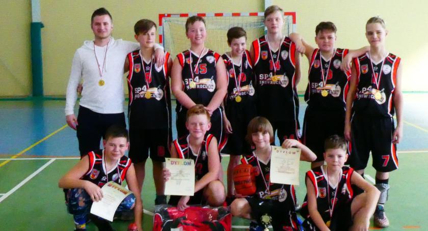 Koszykówka, Czwórka najlepsza wśród najmłodszych adeptów koszykówki!!! - zdjęcie, fotografia