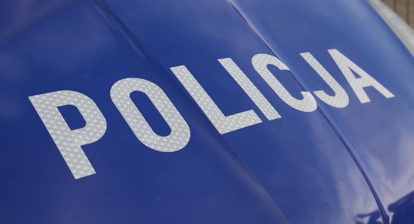 Wypadki drogowe , Policja szuka świadków wypadków - zdjęcie, fotografia