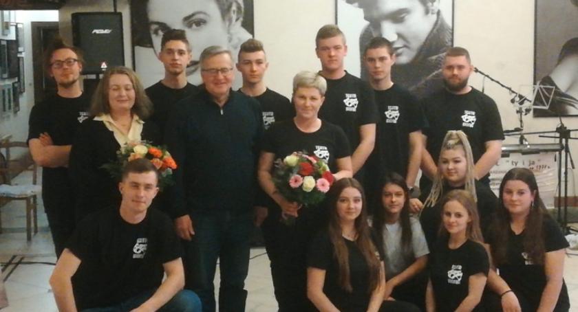 Występ Teatru z Zespołu Szkół Ponadgimnazjalnych im Jana Pawła II w Kościelcu