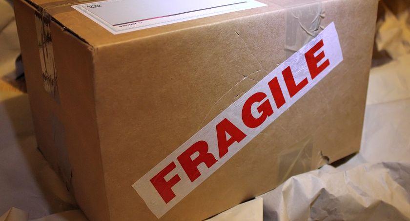 Jak wysłać bezpiecznie paczkę za granicę?