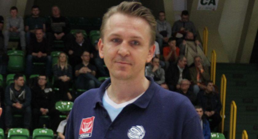 Koszykówka, Noteć trenera - zdjęcie, fotografia