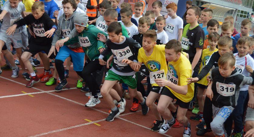 Młodzież biegała w ramach  Piastowskiego Festiwalu Biegowego
