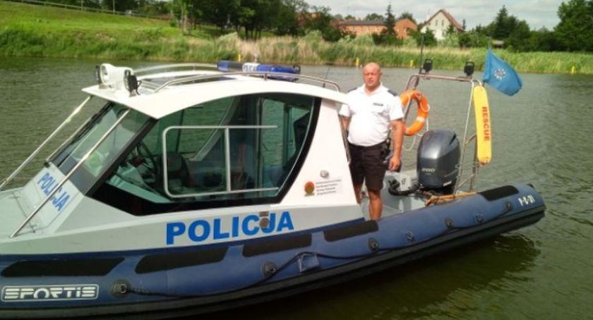 Policjanci czuwają nad bezpieczeństwem na Gople