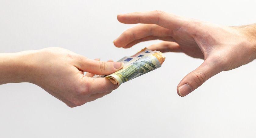 Pieniądze potrzebne od zaraz? Weź chwilówkę od ręki!