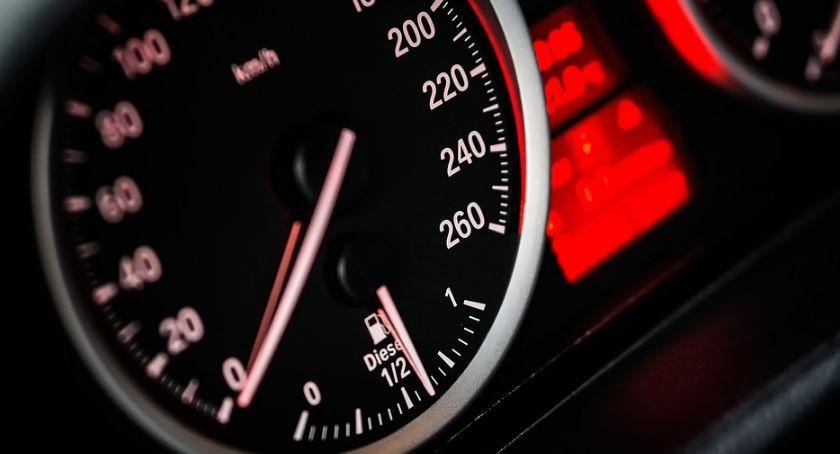 Przez Gniewkowo z nadmierną prędkością