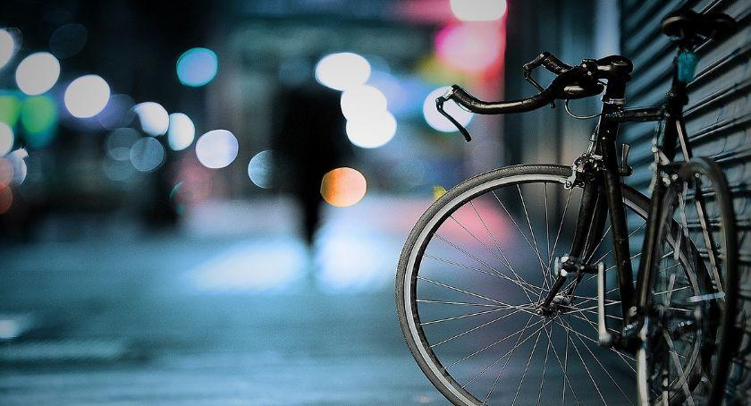 Jeżdżąc na rowerze pamiętajmy o przepisach