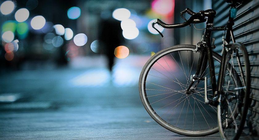 Rozbój z rowerem w tle
