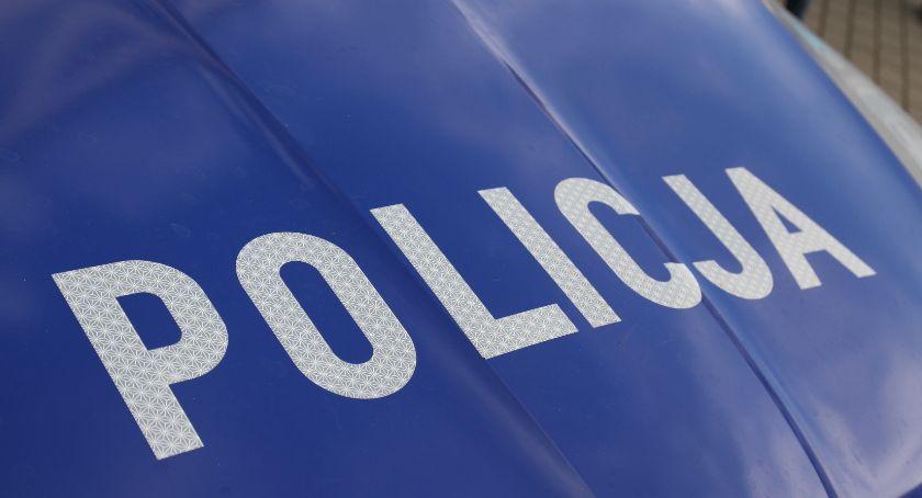 Po kolizji na skrzyżowaniu, kierującej vw policjanci zatrzymali prawo jazdy