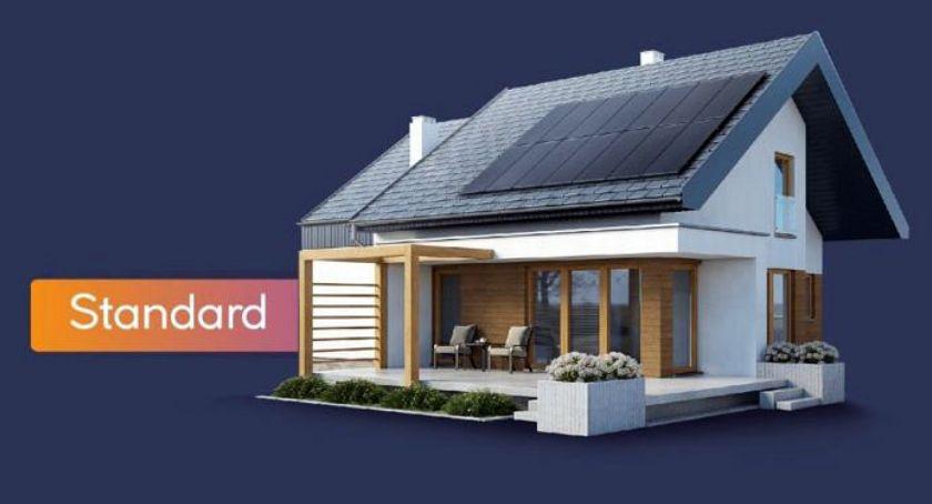 Dzięki firmie Columbus Energy już 6 200 rodzin oraz przedsiębiorców może się cieszyć możliwością korzystania z darmowej energii dzięki zamontowanym przez nas instalacjom fotowoltaicznym. Co warto wiedzieć o instalacjach fotowoltaicznych? Czym jest fotowoltaika? Fotowoltaika to sposób na zapewnieni