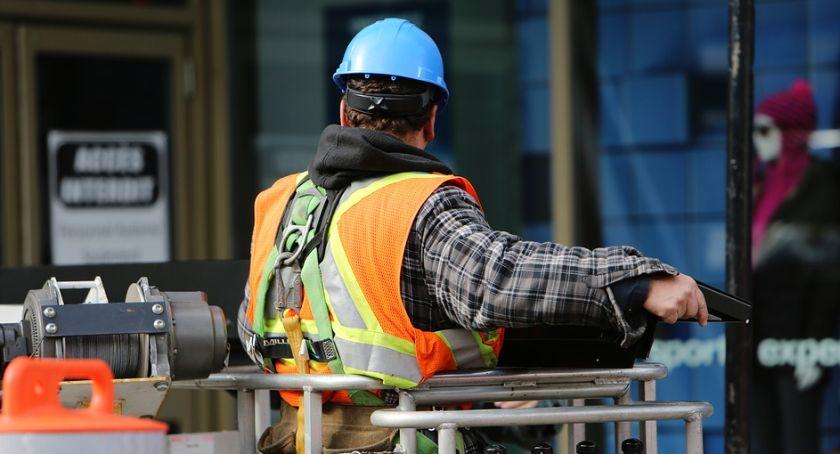 Jakie kursy na maszyny budowlane cieszą się największą popularnością?