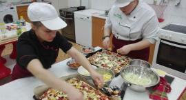 Taka pizza tylko w Koscielcu, wyk.klII TZUG
