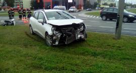 Na skrzyżowaniu  Al. Niepodległości i Wojska Polskiego wypadek samochodowy