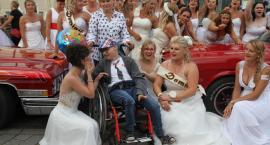 Panny młode zbierały na leczenie Kuby