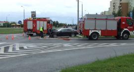 Na skrzyżowaniu (rondo) Al. Niepodległości, i Wojska Polskiego wypadek samochodowy.