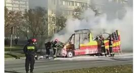 Przy ul. Wojska Polskiego spłonął bus