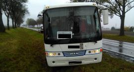 Autobus wjechał do rowu