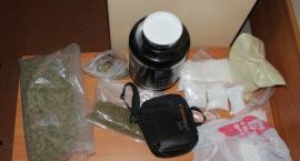 """Policyjny """"nalot"""" na posiadacza narkotyków"""
