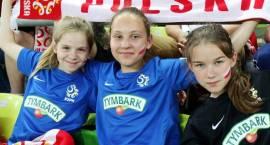 Dziewczęta  z SP6 na meczu Polska - Holandia