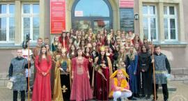 Wybory nowej królowej w III LO im. Królowej Jadwigi