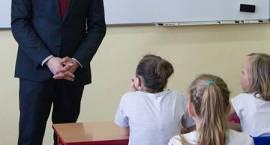 Poseł z wizyta Szkole Podstawowej nr 9