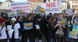 Młodzież protestowała w sprawie likwidacji bursy (MP3, TV)