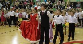 Przedszkolaki zaprezentowały się w tańcu towarzyskim