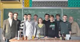 """Sukcesy chemiczne uczniów """"Kaspra"""""""