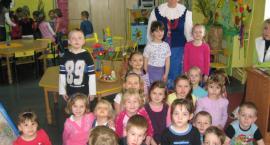Przedszkolaki poznawały wielkanocne tradycje