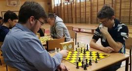 Budowlanka gospodarzem i zwycięzcą w powiatowym drużynowym konkursie szachowym