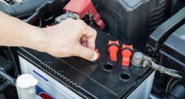 W jaki sposób naładować padnięty akumulator?