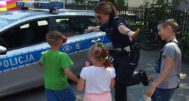 Policjanci dzieciom