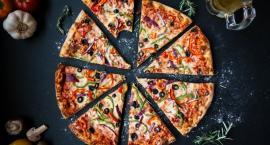 Czy pizza tuczy? Poznaj fakty i mity na temat kaloryczności pizzy