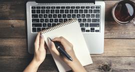 Praca przy komputerze – co warto wiedzieć