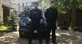 Policjanci udzielili pomocy nieprzytomnemu mężczyźnie
