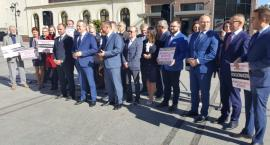 PiS zaprezentował swoich kandydatów w wyborach