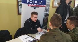 """Zachęcali do służby w Policji podczas """"Dnia Kariery"""""""