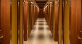Oryginalne wnętrza z wykorzystaniem płytek podłogowych Opoczno
