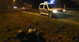 Motocyklem wylądował w rowie