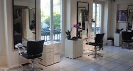 Meble fryzjerskie i wyposażenie salonu