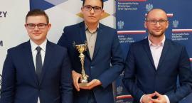 Kasper najlepszy w kraju z wiedzy o Polsce i świecie wspólczesnym