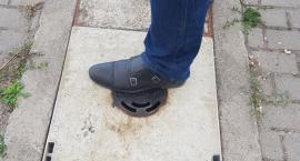 Znikają Groźne pułapki na inowrocławskich chodnikach