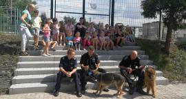 Z dziećmi rozmawiali o bezpieczeństwie i psach służbowych