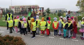 Przedszkolaki pod czujną opieką policjantki
